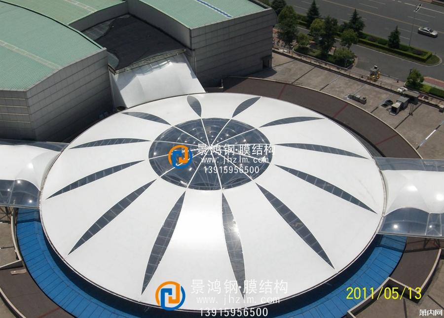 张拉膜结构屋顶 商业建筑屋顶加盖雨棚工程史蒂夫 (2).jpg