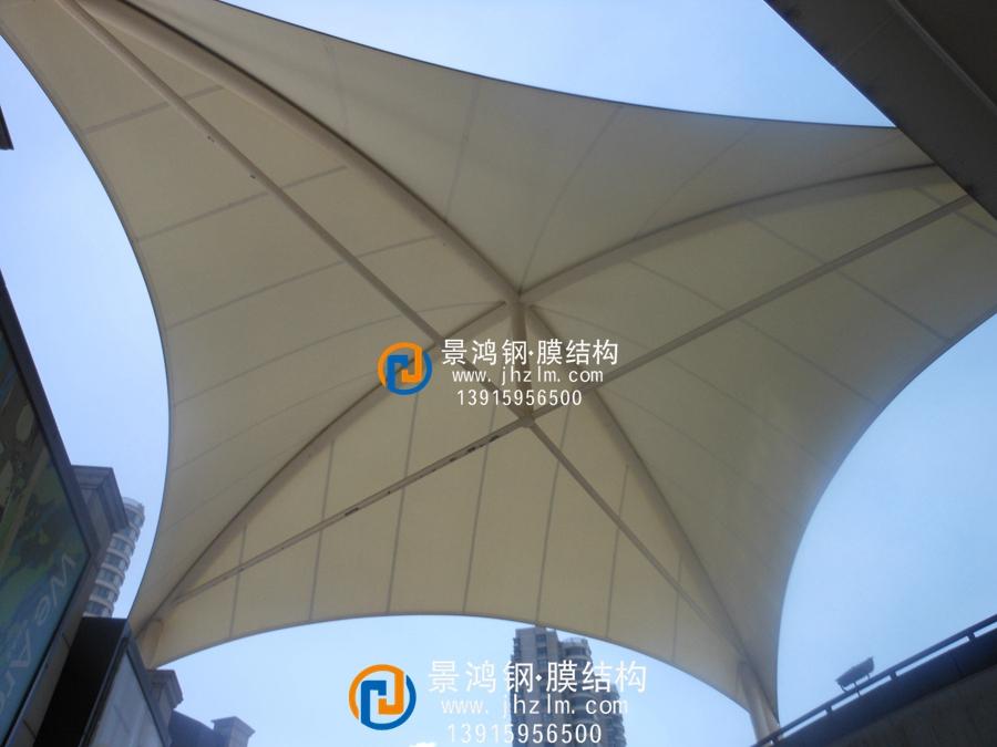 张拉膜结构屋顶 商业建筑屋顶加盖雨棚工程史蒂夫 (3).jpg